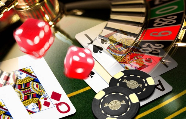 Pros and Cons Of Playing Online Blackjack
